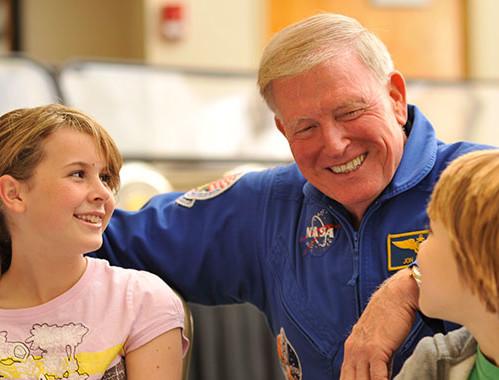 Astronaut simulator rides at universal orlando